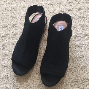 Steve Madden, black sandal